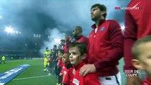Foot, l'enfant « infiltre » les joueurs Rennais pour saluer les joueurs des Parisiens