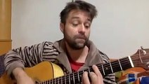 Mike Flowers Pops Wonderwall Cover on Acoustic Guitar - Singalong Insomnia #2