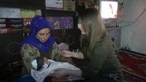 Derik Kaymakamı, Adının Verildiği Bebeğe Çeyrek Altın Taktı