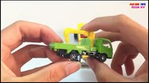 Great Gatspeed Vs Hino Dutro Truck   Tomica Toys Cars For Children   Kids Toys Videos HD Collection