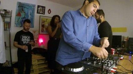 Rafael Cancian DJ Set - Quarto/Fresta