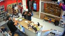 Une famille se bat contre un homme armé qui s'apprêtait à piller leur commerce