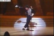 Premier Moonwalk jamais dansé par michael jackson - billie jean
