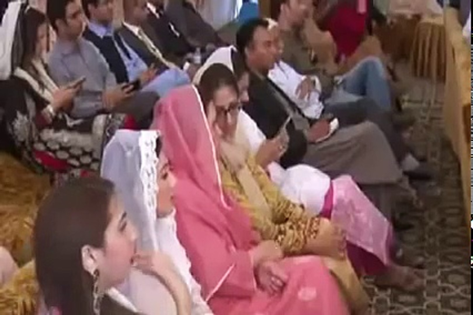 Beautiful Maryam Nawaz Sharif with Beautiful Looks