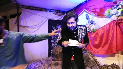 One does not simply go to a Shaadi without an envelope!