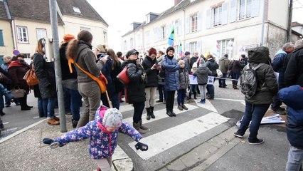 Beauvais: manifestation contre la carte scolaire