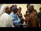 Vidéo souvenir 2005 – Quand Youssou Ndour présentait ses parents au Président Wade...Regardez