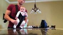 Un papa fait danser son bébé sur du Michael Jackson