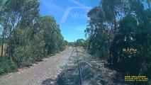 Buzz : En Australie, un cycliste qui traversait les voies évite de justesse un train à grande vitesse !