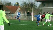 Football : action litigieuse lors du match entre caudry et Villers-Outréaux