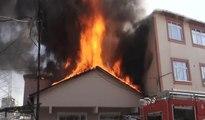Ataşehirde alev alev yanan bina vatandaşları sokağa döktü