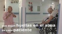 Acordes y melodías apaciguan dolores de pacientes de cuidados paliativos en Brasil