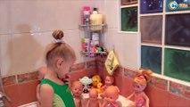 ✔ Куклы Беби Борн и Ненуко. Ярослава купает своих малышей / Dolls Baby Born and Nenuco Bath Time ✔
