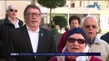 Colonisation : Macron bousculé par des manifestants pieds-noirs à Carpentras
