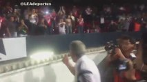 Tigres manager Tuca Feretti goes crazy on Veracruz fans as Tigres fans are attacked in the stands!