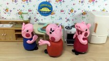 Peppa Pig Potty Training Poo and Pee Play-Doh Stop-Motion Peppa Pig pees her pants, and Ge