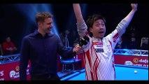 Un joueur de billard japonais répond à côté des questions posées en anglais