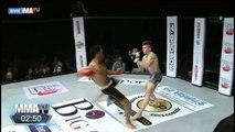 Il danse devant son adversaire se fait mettre KO