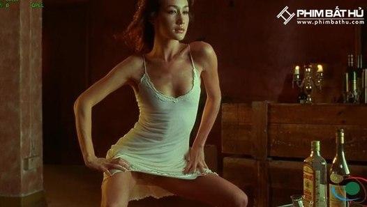 Naked Weapon - Film 2002 - FILMSTARTS.de