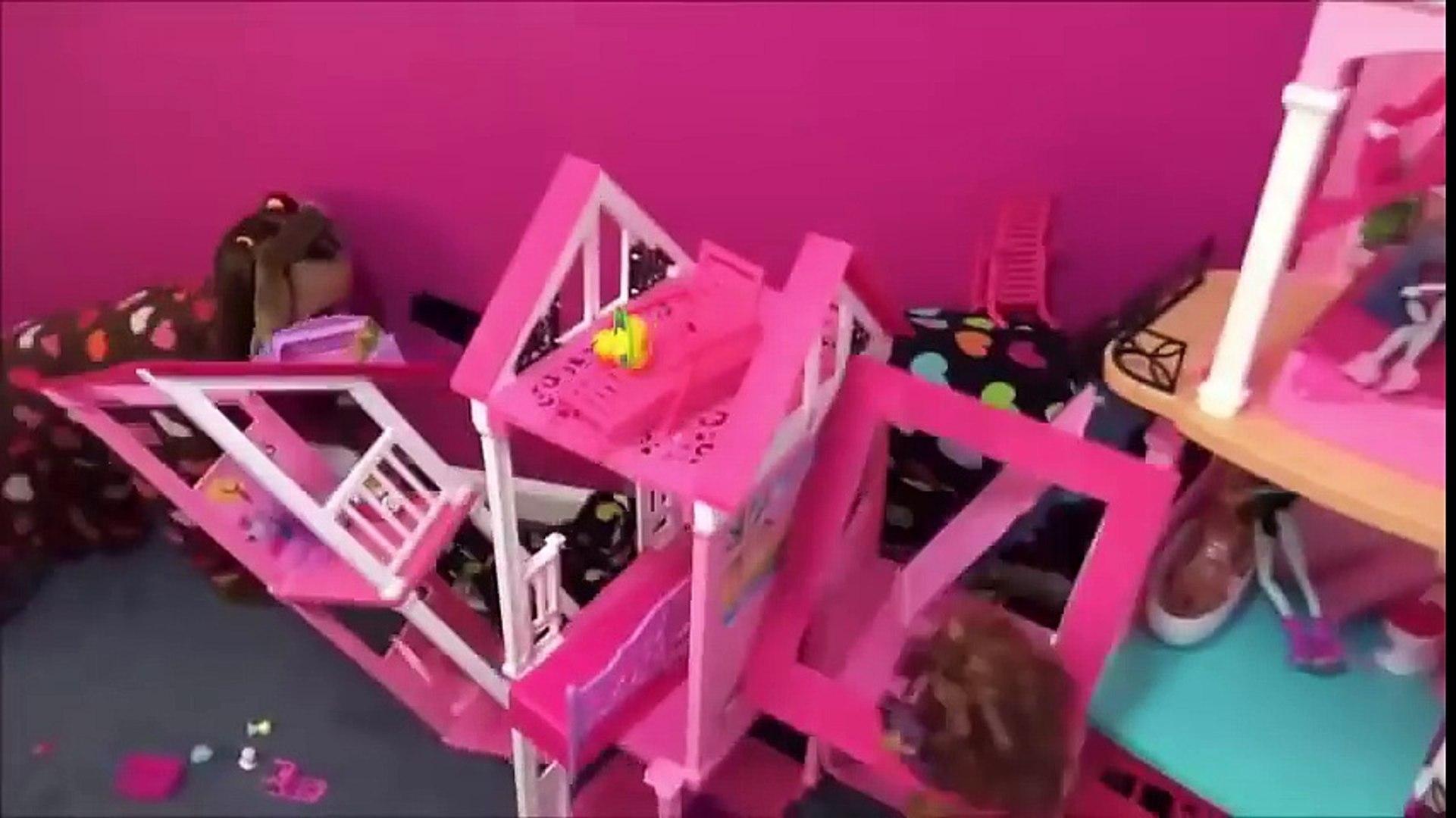 Crying baby Toy Freaks Bad Baby Victoria & Annabelle Freak Daddy Hidden Egg Gross Puppy & Ki