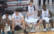 Robert Bobroczky âgé de 16 ans mesure 2m34, et souhaiterait devenir joueur NBA