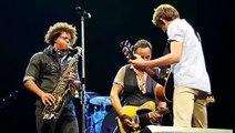 Buzz : Bruce Springsteen invite sur scène un fan qui a séché les cours pour assister à son concert !