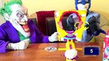 Spiderman vs Joker vs Ataque de Tiburón! Refresco De Naranja De La Piscina! w/ Pastel de la Cara! Divertido Superhéroes J