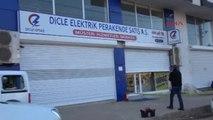 Şanlıurfa Siverek'te Dedaş Merkezi ve Araçlarına Ateş Açıldı