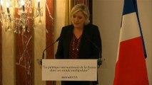 """""""Marine, féministe fictive !"""" Une Femen aux seins nus interrompt un discours de Marine Le Pen"""