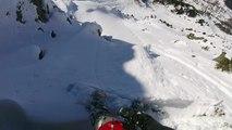 Esquiador con nervios de acero escapa de una avalancha