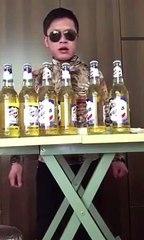 Regardez comment on fait pour boire 6 bières en même temps
