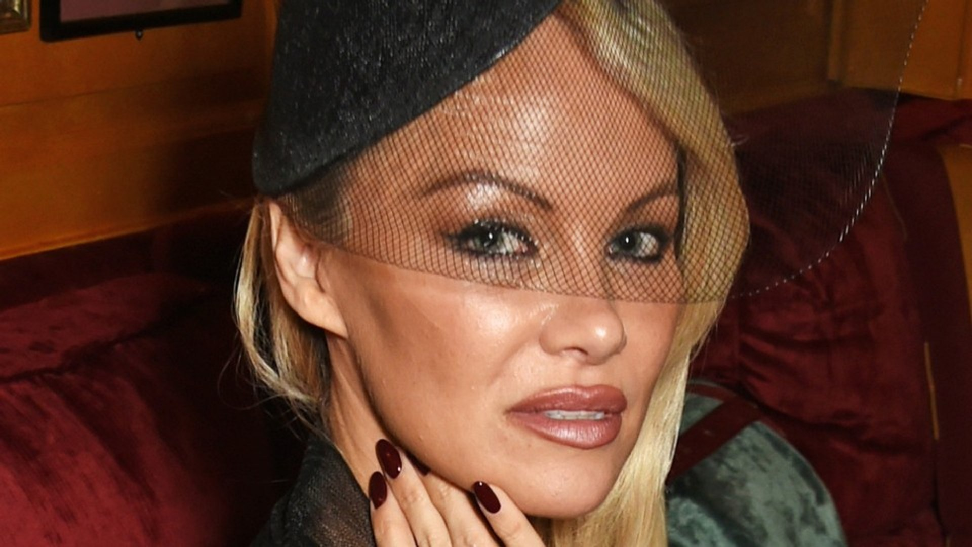 Strange Bedfellows: Pamela Anderson And Julian Assange May Be An Item