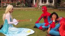 Эльза Frozen становится русалкой! Человек-паук Супермен становится Кинг-Конг розовый девочка-Паук Вечерять