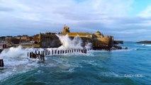 Des images magnifiques de vagues à Saint-Malo