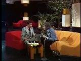 Serge Gainsbourg se rase à la télévision