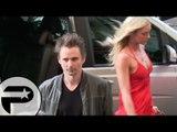 Matthew Bellamy (Muse) à Paris avec sa nouvelle compagne Elle Evans qui essaye de fuir les caméras
