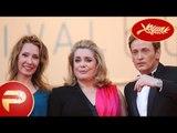 Cannes 2015 - Catherine Deneuve et le casting de La tête haute, montent les marches.