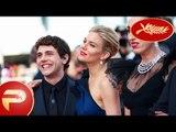 Cannes 2015 - Sophie Marceau, Xavier Dolan et le reste du jury montent les marches.