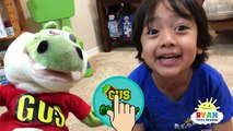 Hide and Seek Playing Chase with Gus The Gummy Gator! Kids playtime Rainbow Gummy Jello egg!-XnGCbPPbuv0