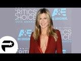 Jennifer Aniston : Décolleté incroyable face à Angelina Jolie