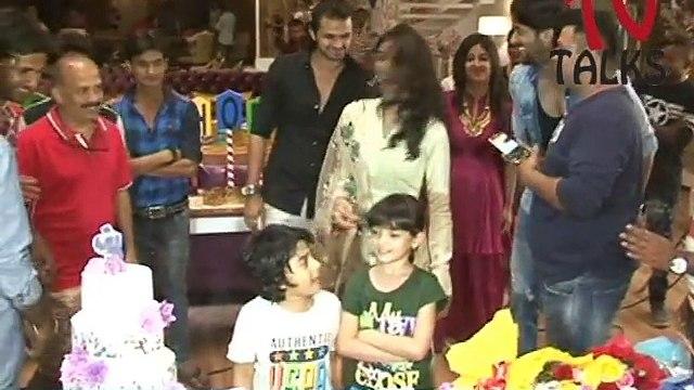 "Full Video Of 1 year celebration of ""Kuch Rang Pyar Ke Aise Bhi ""   Shaheer Sheikh   Erica Fernandes"