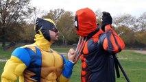 Росомаха Дэдпул против Марвел Супергерои в реальной жизни реальной жизни реальной жизни Супергеройское сражение