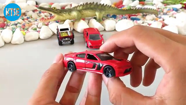 Hot Wheels Coches De Juguete | Custom Ford Bronco | 15 Dodge Charger Srt