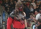 Kane Returns & Saves The Undertaker & The Rock! 5-29-00