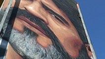Lo sguardo di Maradona su Napoli, il murales del pibe de oro