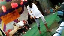 Bhojpuri aarkestra rain dance tip tip barsa pani pani me aag lagaye