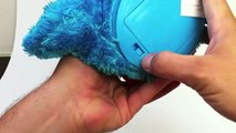 Count n Crunch Cookie Monster Toy Sesame Street Unboxing, Count him eating 3 cookies
