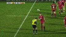 Cet arbitre de Rugby met un carton jaune à un ramasseur de balle... Trop drole!
