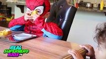 Congelados Elsa POO BOLAS de COLORES con Spiderman vs Joker Broma de los Superhéroes de la Diversión en la Vida Real