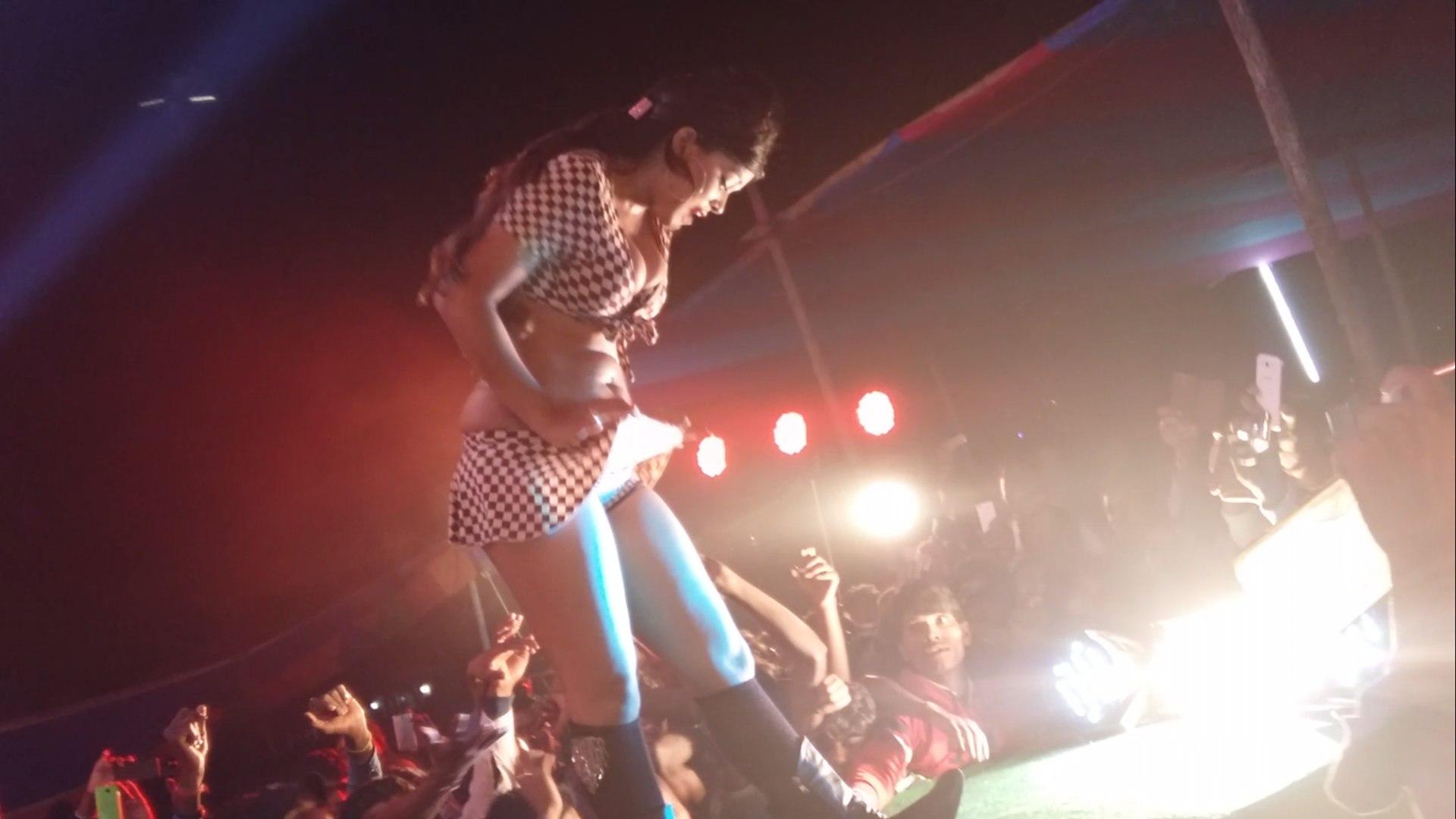 ac ac Dance on bhojpuri songs.....by-Neha